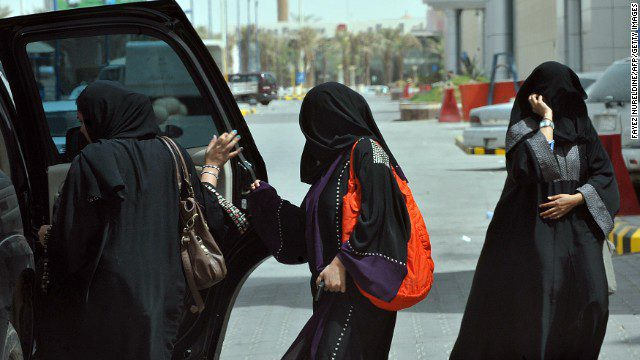 women-in-saudi-give-a-boost-to-taxi-apps