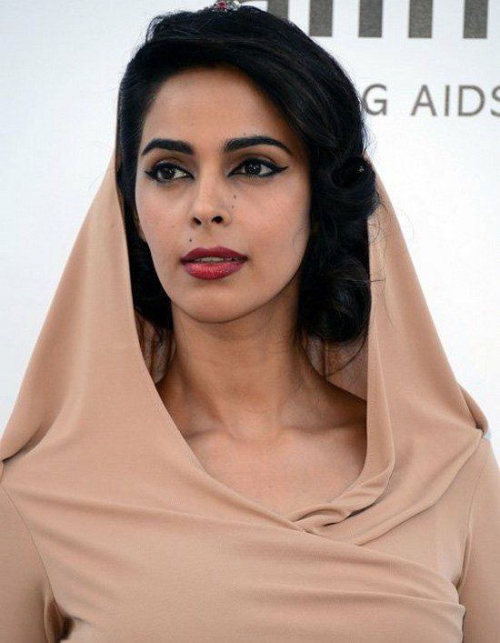 Mallika Sherawat Picture By: Topnews.in