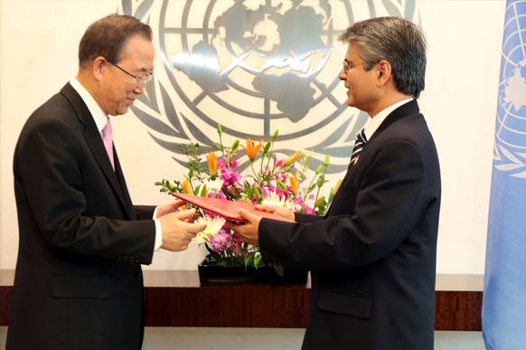 Permanent Representative of India to UN, Ambassador Asoke K Mukerji with UN Secreatry General Ban-Ki Moon Picture By: American Bazaar Online