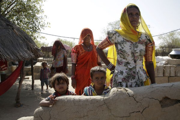 Women lead the way out of poverty in an Indian desert 600x400