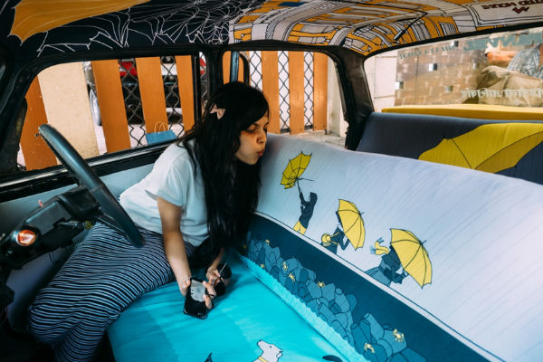 Mumbai's cabs get funky, sponsoring talents of young artists