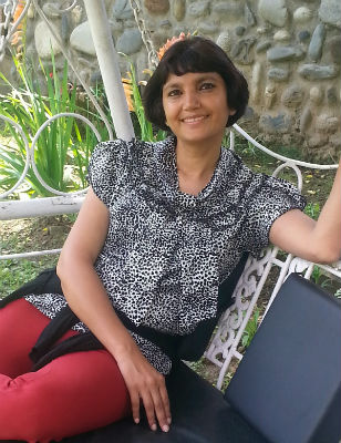 Minakshi Chaudhry – Author and former journalist