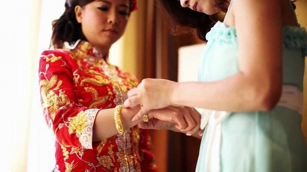 Chinese weddings also have a system of dowry