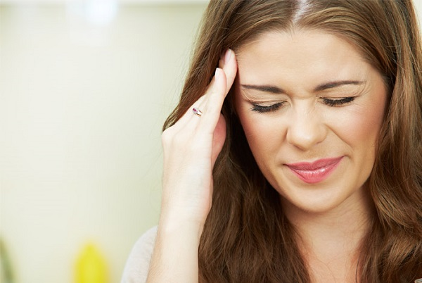 Coconut water helps to fight headaches
