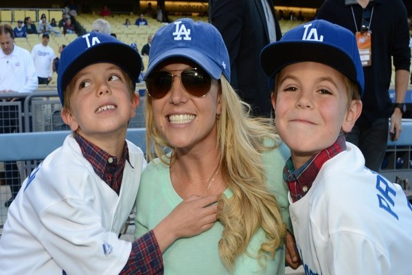 britney spears writes a letter to her sons