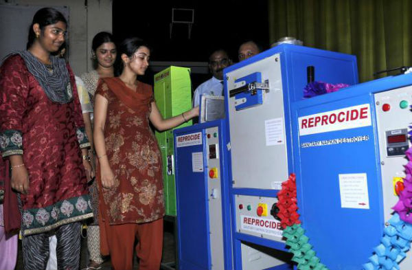 vending machines for sanitary napkins