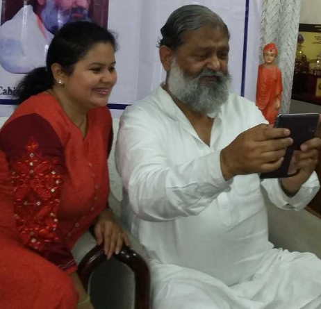 Health Minister Anil Vij takes a selfie with his niece