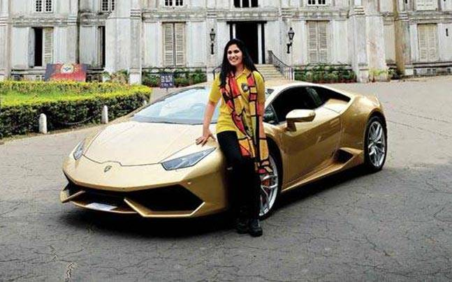 woman with Lamborghini