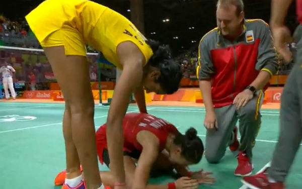 PV Sindhu and Marin in the badminton singles final in Rio Olympics 2016