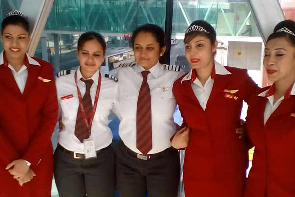 all-woman crew of SpiceJet-WomensDay