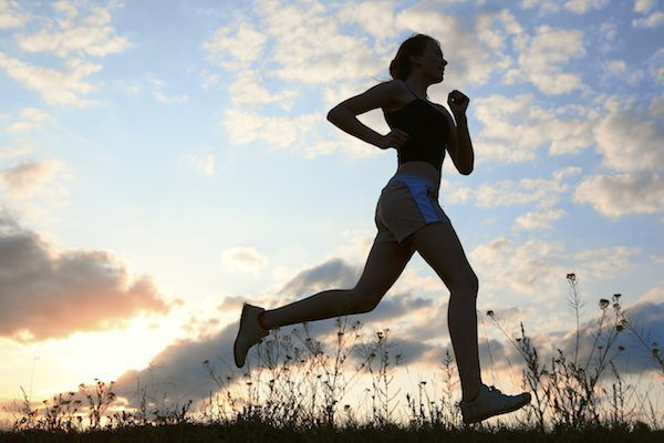 woman running silhouette i9