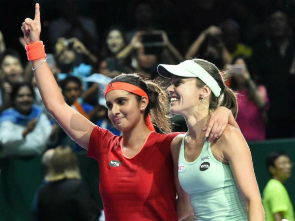 Sania-Hingis pair enters semis of WTA Finals