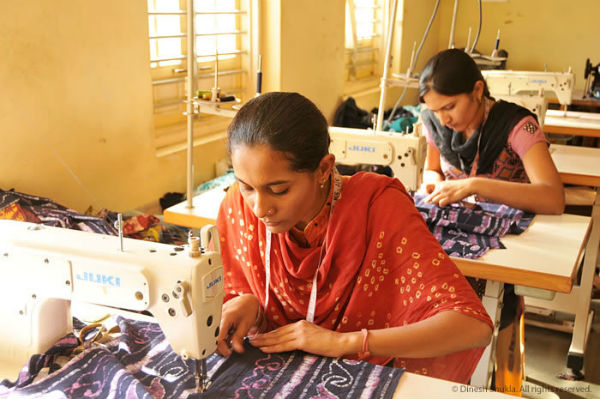 govt-gifts-tribal-women-livelihood-skill-this-diwali