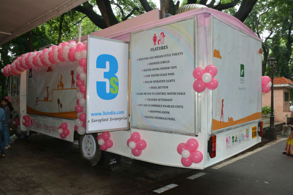 pune-introduces-safe,-hygienic-mobile-toilets-for-women