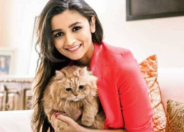 Alia Bhatt with her pet cat Pikka