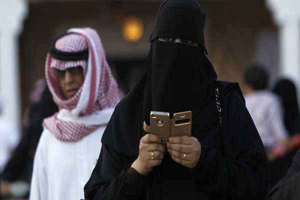 women-in-arab-countries-find-themselves-torn-between-opportunity-and-tradition