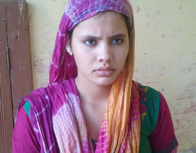 zainab Khan from Meerut