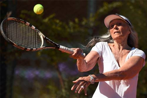 83-Yr-Old Grandmother Revives Her Tennis Dream