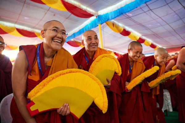 "Nuns Earn ""Doctorates"" Of Tibetan Buddhism"