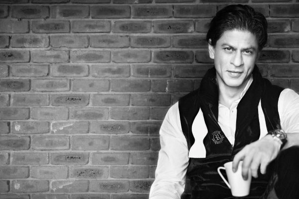 srk-denies-feminism-twice,-but-this-time-for-good