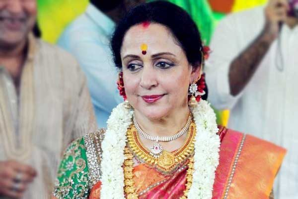dream-girl-hema-malini's-biography-to-be-out-soon