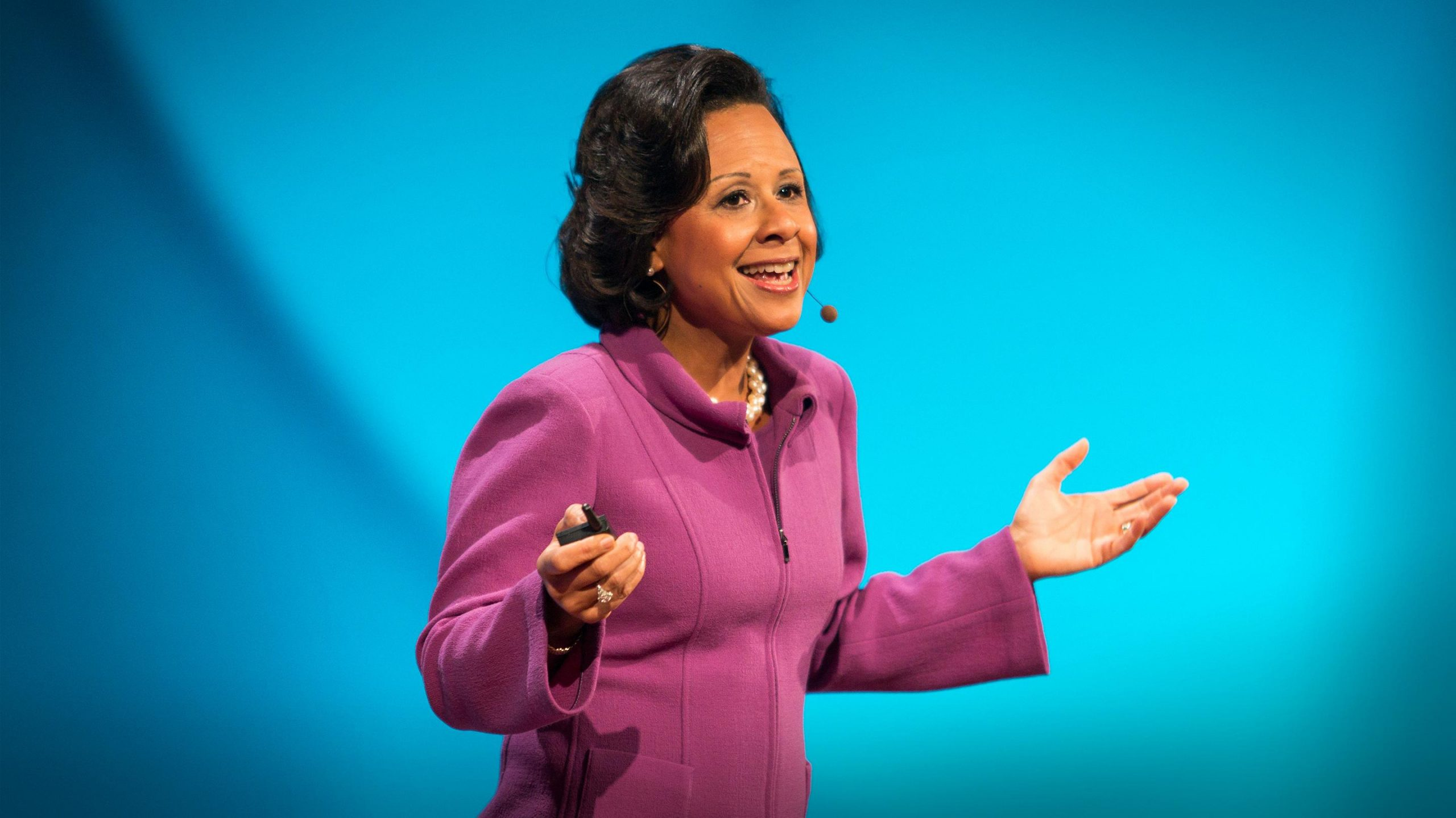 paula-johnson:-6-things-that-make-her-a-leader