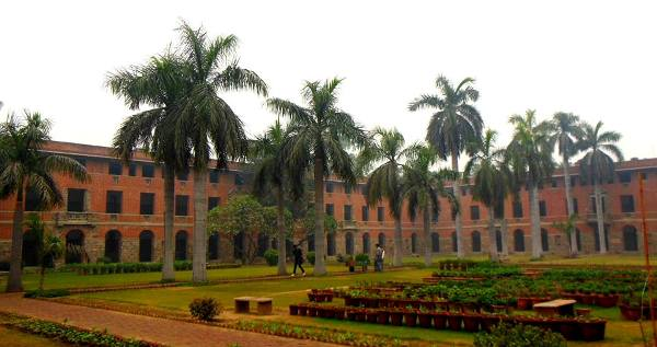 miranda-house-gets-best-college-title,-hrd-ministry-releases-list