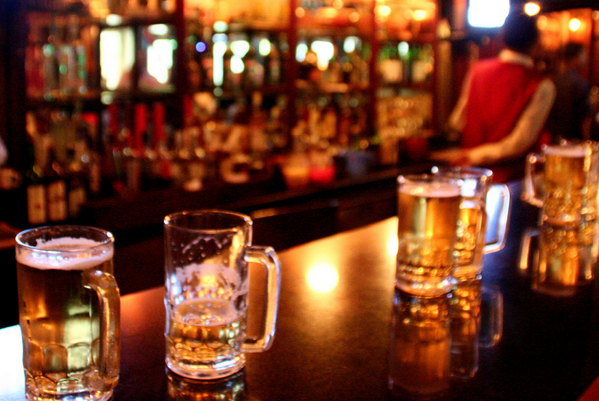 Pubs in Bangalore asked to shut down if they within 500 m of a national highway
