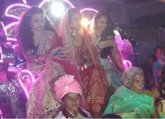 patna-bride-takes-'baraat'-to-groom's-door,-sends-empowerment-message