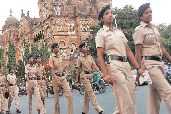 mumbai women cops bearing girl child