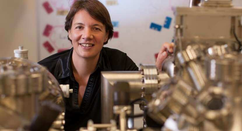 Oz woman build world's first quantum computer
