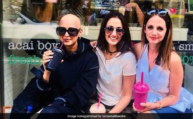 Sonali Bendre bald look