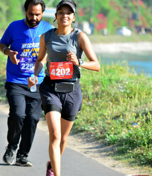 Kashmir To Kanyakumari In 85 Days! Sufiya To 'Run for Hope'