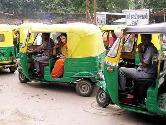 Ban on songs in auto in Lucknow