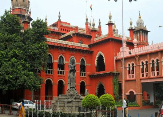 unmarried-couple-living-in-same-hotel-room-not-a-crime:-madras-hc