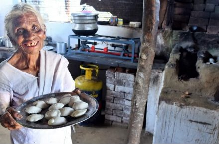 80-Year-Old Woman Selling One Rupee Idli