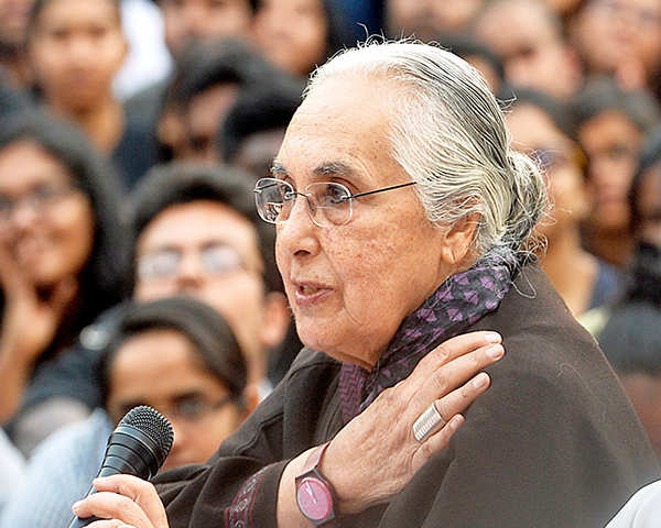 jnu-asks-romila-thapar-to-submit-her-cv-for-evaluation