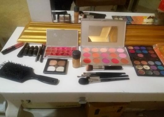 deadly-bugs-found-in-nine-out-of-10-makeup-bags