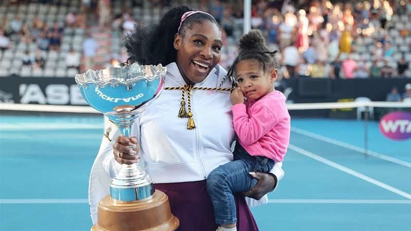 serena williams daughter, Serena Williams donates masks