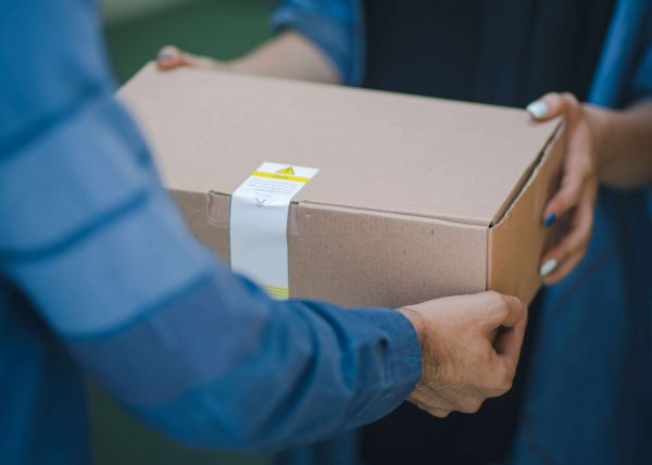 Pune Food Delivery Agent ,Woman Receives Hundreds Of Amazon Parcels ,food delivery lockdown risk
