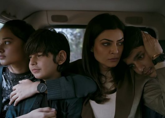 aarya:-sushmita-sen-nails-it-as-a-single-mother-who-gets-pushed-into-drug-dealing