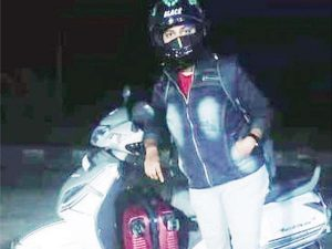 Mother Travelled 1.800 km On Scooter For Five Days To Meet Her Son