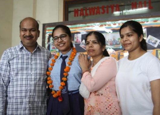 lucknow's-divyanshi-jain-scores-100-percent-marks-in-cbse-12th-board-results