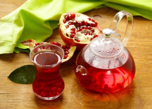 5-reasons-why-you-should-switch-to-pomegranate-tea