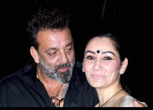 after-husband-sanjay-dutt's-recovery-maanayata-dutt-posts-instagram-note-on-being-brave