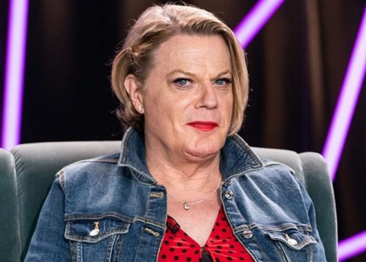 "eddie-izzard-to-use-pronouns-'she/her',-says-she-wants-to-be-in-a-""girl-mode"""